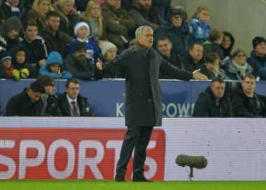 Mourinho Diberikan United Rp5,8 Triliun untuk Belanja Pemain