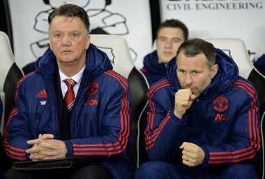 Van Gaal Minta United Persiapkan Diri untuk Mourinho