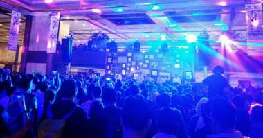 Project Pop 'Panaskan' Konser 30 Tahun Kahitna