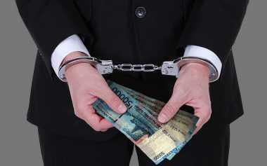 Uang Miliaran & Dua Mobil Diamankan dalam OTT KPK