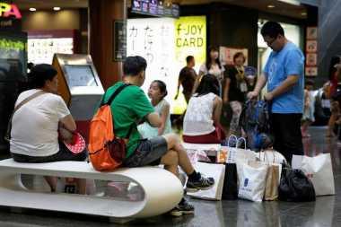 Kencing di Kereta Tambah Kelakuan Buruk Turis Tiongkok
