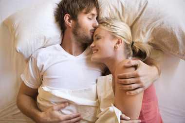 Trik agar Bercinta Jadi Kado Terindah Valentine
