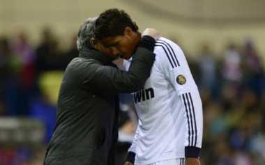 Varane Takkan Reuni dengan Mou di United