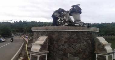 Pembakar 'Arjuna' Ditantang Robohkan Patung Polisi & TNI