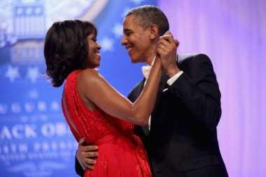Rayakan Valentine, Obama Bacakan Puisi Cinta Kepada Istrinya