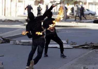 Ratusan Demonstran di Bahrain Bentrok dengan Polisi