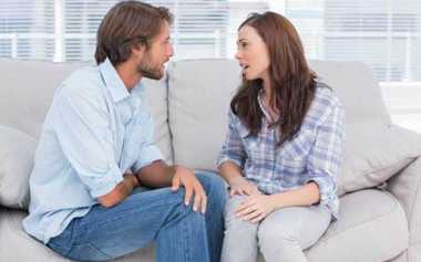 4 Hal Ini Tak Boleh Ditutupi dari Pasangan