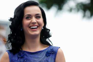 Katy Perry Hadiri Konser Adele Bersama Orlando Bloom