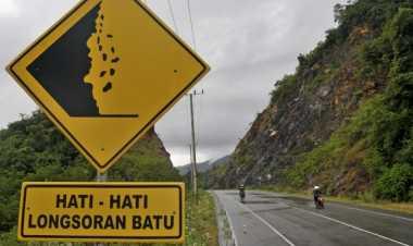 Jalan Utama Terputus Akibat Banjir, Warga Bangka Hampir Terisolir