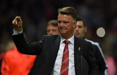 Van Gaal Enggan Hubungi Mourinho