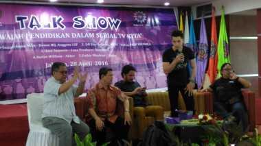 Stefan William & Fathir Muchtar Berbagi Pengalaman kepada Mahasiswa