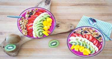 Resep Acai Berry Praktis: Dragon Fruit Smoothie Bowl