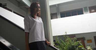 TERHEBOH: Dewi Rezer Bakal Klarifikasi Foto Mesra dengan Bule