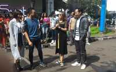 Live Dahsyat: Host Doakan Anak Ayu Dewi