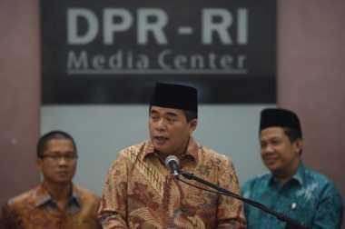 Masih Jadi Wakil Ketua DPR, Akom Minta Jangan Protes Fahri Hamzah