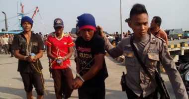 Kapal Ikan Berbendera Thailand Diamankan Beserta Empat Awaknya