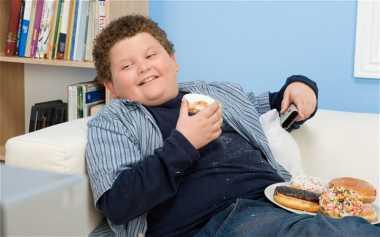 Orantua Galak, Anak Berisiko Obesitas