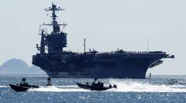 China Tak Izinkan Kapal Induk AS Merapat ke Hong Kong