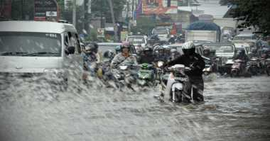 Hujan Dua Jam, Jalan Protokol di Kota Serang Banjir Selutut