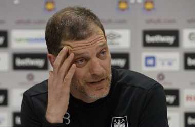Manajer West Ham Dukung United Gondol Trofi FA Cup