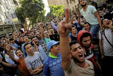 Mesir Seret 237 Aktivis ke Persidangan
