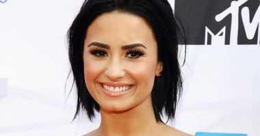 TOP MUSIC: #8 Demi Lovato Fix Manggung di Billboard Music Awards 2016