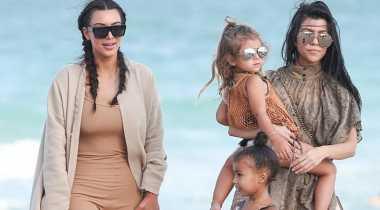TOP GOSSIP: #2 Kim Kardashian Salah Kostum