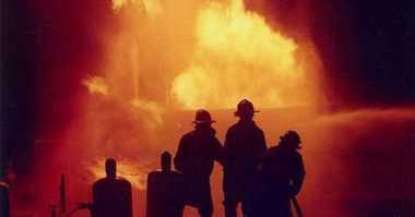 Empat Rumah Pensiunan dan Pekerja Kereta Api Terbakar