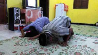 10 WNI Dibebaskan, Keluarga Bayu di Klaten Sujud Syukur