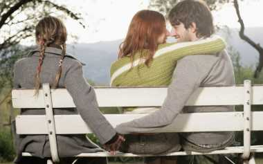 Suami Terperangkap Wanita Lain, Istri Segera Lakukan Ini