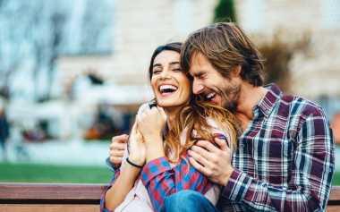 Cara Terampuh Bikin Pria Jatuh Cinta