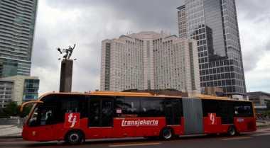 Pertama Kali, Seorang Penumpang Melahirkan di Bus Transjakarta