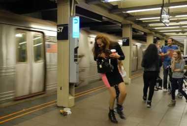 Menjijikan, Tikus Berkeliaran di Stasiun Kereta New York