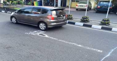 """Di Jalan Mangkubumi Yogya Ada """"Lubang Enak"""""""