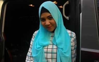 Single Terbaru Budhila Bikin Tren 'Hijab Luka Lagi'