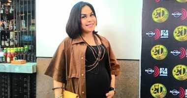 Melaney Ricardo Lahirkan Anak Laki-Laki, Selamat Yah!
