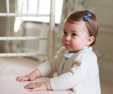 Berusia Genap Setahun, Putri Charlotte Banjir Hadiah Mewah