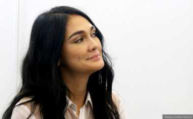 Luna Maya Tegaskan Pentingnya Pendidikan Bagi Remaja
