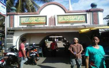 Warga Luar Batang: Masa Masjid Dikelilingi Mal?