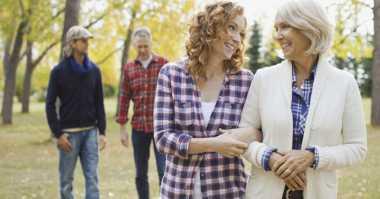 Begini Harusnya Menghadapi Mertua Kurang Bersahabat