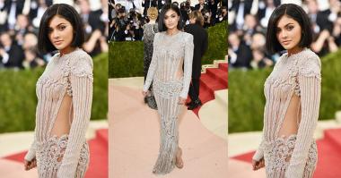Kenakan Gaun di Met Gala, Kylie Jenner Berdarah-darah!