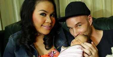 FOTO: Suami Melaney Ricardo Umumkan Nama Anak Lewat Instagram