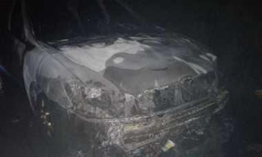 Toyota Camry Terbakar di Bogor, Pengendara dan Penumpang Selamat