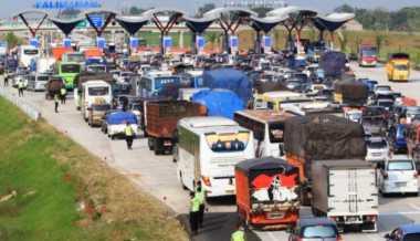 Libur Panjang, Kendaraan Melintas Tol Tangerang-Merak Diprediksi Naik 10 Persen