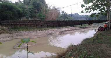 Jembatan di Lebak Ambruk, Warga Terisolasi