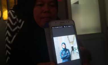 Isak Tangis Sang Ayah Sambut Jenazah Feby di Batam