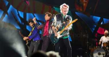 Rolling Stones Kecam Donald Trump