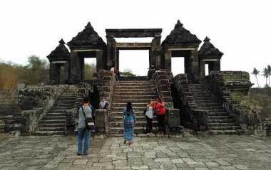 Indahnya Sunset di Istana Ratu Boko Yogyakarta