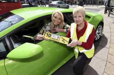 Naik Taksi Lamborghini Ini Tarif Minimalnya Nyaris Rp7 Juta