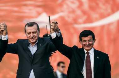 Erdogan Penyebab Mundurnya PM Turki